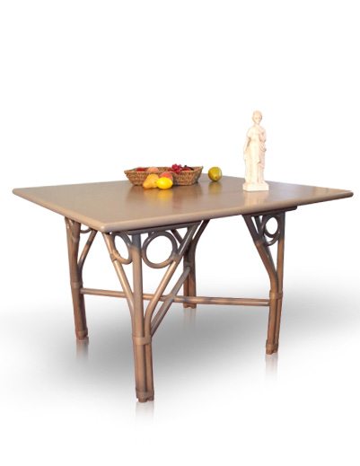 Mobilier en rotin salles manger table irene for Table a manger en rotin